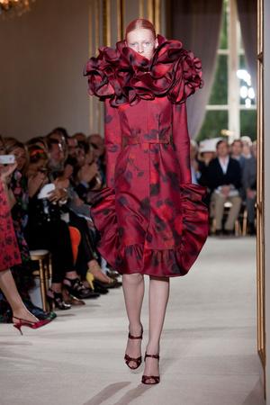 Показ Giambattista Valli коллекции сезона Осень-зима 2012-2013 года haute couture - www.elle.ru - Подиум - фото 403394
