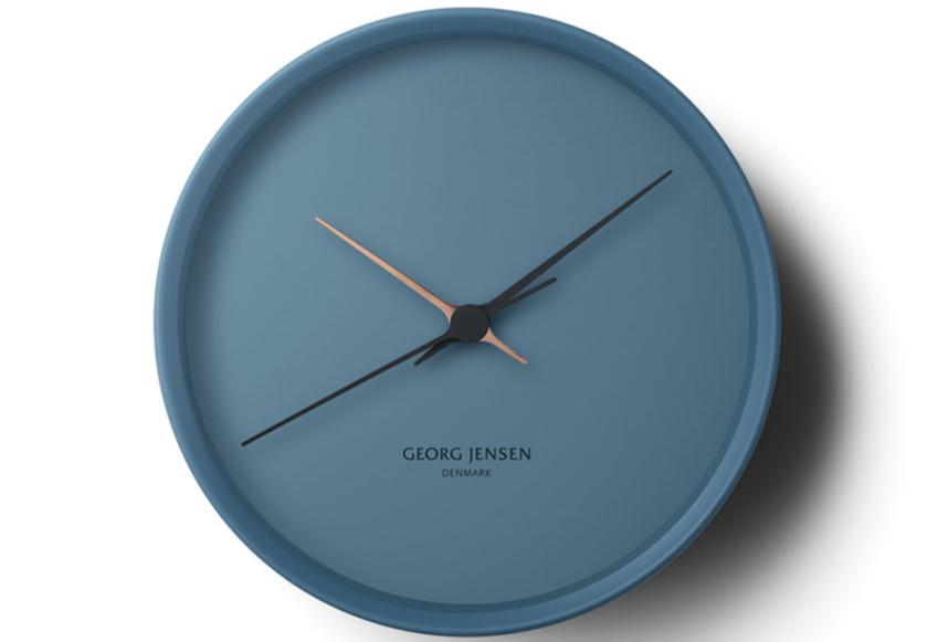 79cca42221bc Успеть до полуночи! Дизайнерские настенные часы к Новому Году   ELLE ...