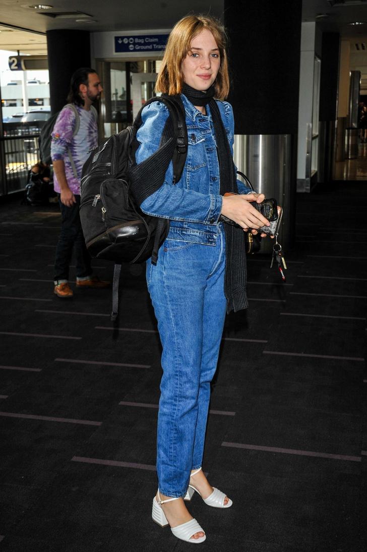 Джинсы + джинсовка для перелетов как у модной дочери Умы Турман (фото 3)