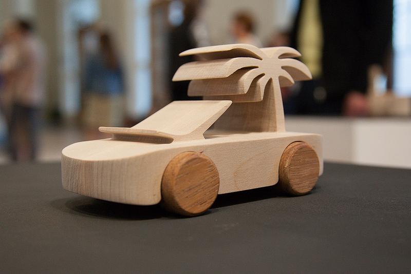 Знаменитые деревянные машинки TobeUs в Москве   галерея [1] фото [7]