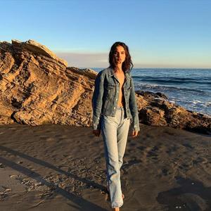 Самый модный крой джинсов этой весны — как у Бланки Падильи (фото 1.2)
