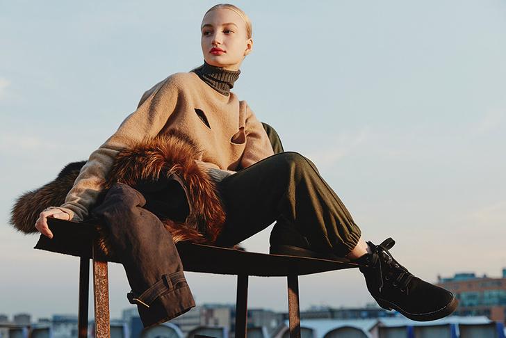 Модный аксессуар: 10+ осенних образов с шелковым платком фото [9]