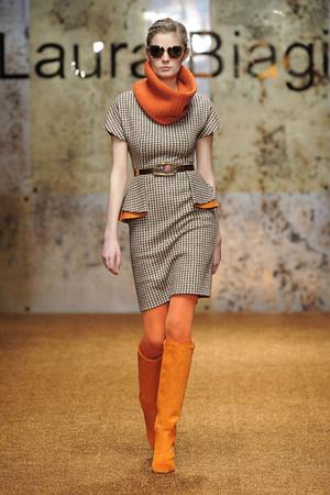Показ Laura Biagiotti коллекции сезона Осень-зима 2012-2013 года prêt-à-porter - www.elle.ru - Подиум - фото 366227
