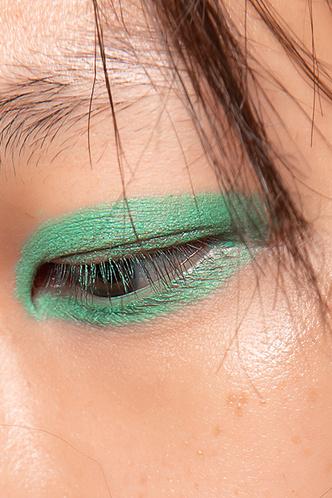 Beauty-тренд сезона: мятно-зеленый (фото 4.1)