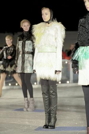 Показ Elise Overland коллекции сезона Осень-зима 2011-2012 года prêt-à-porter - www.elle.ru - Подиум - фото 226771