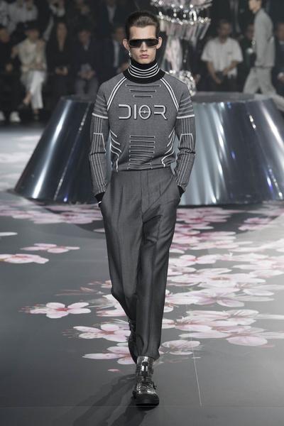 Как прошел первый мужской показ Dior в Японии (галерея 3, фото 1)
