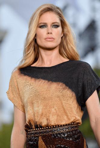 Бьюти-образ дня: Даутцен Крез на дефиле L'Oréal Paris фото [5]