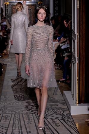 Показ Valentino коллекции сезона Осень-зима 2011-2012 года haute couture - www.elle.ru - Подиум - фото 278539