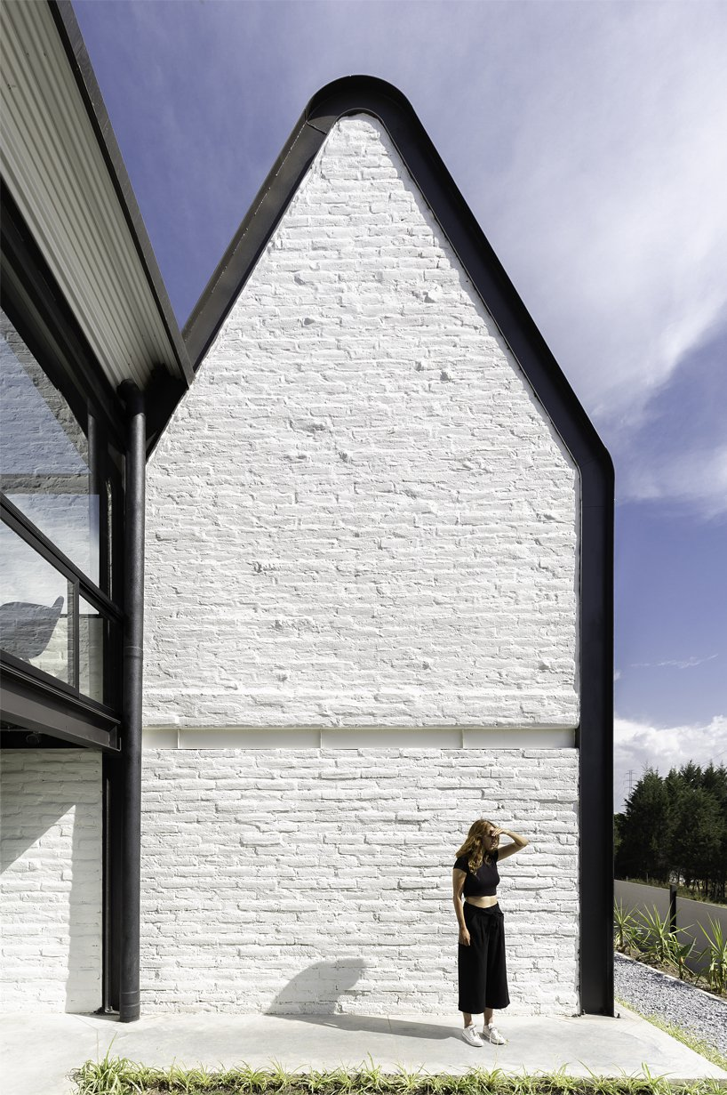 Дом с необычной крышей в Эквадоре (галерея 6, фото 3)