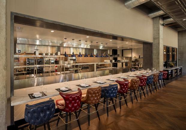 Ресторан «с британским акцентом» в Калифорнии (фото 11)