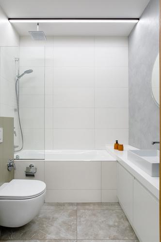 Лаконичная квартира с бетонным потолком и деревянными стенами 71 м² (фото 9.1)