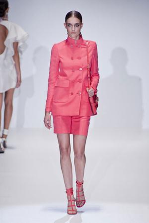 Показы мод Gucci Весна-лето 2013 | Подиум на ELLE - Подиум - фото 1134