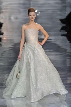 Показ Armani Prive коллекции сезона Весна-лето 2010 года Haute couture - www.elle.ru - Подиум - фото 138166