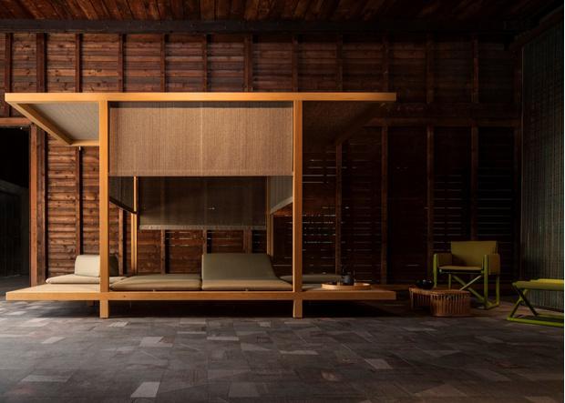 Сон в летнюю ночь. Кровати и лежанки с навесами (фото 3)