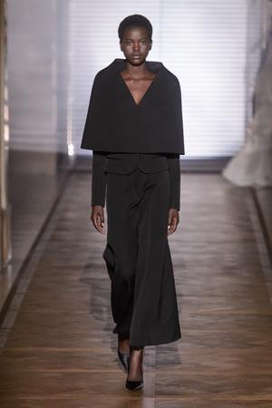 Показ Givenchy коллекции сезона Весна-лето 2018 года Haute couture - www.elle.ru - Подиум - фото 674651