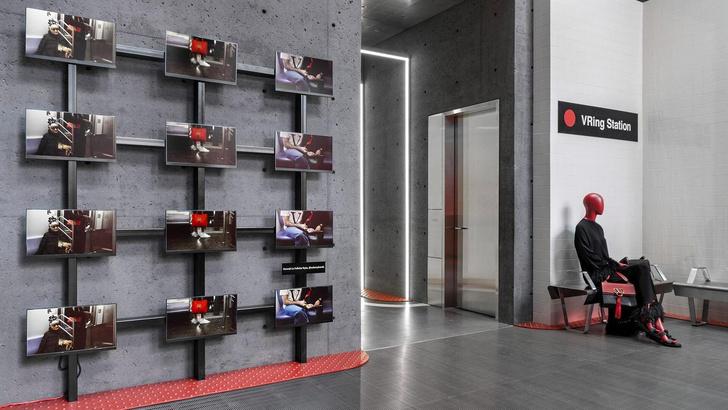 VRing Station: pop-up бутик Valentino в Монреале (фото 0)