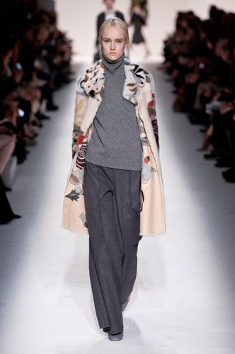 Показ Valentino на Неделе моды в Париже