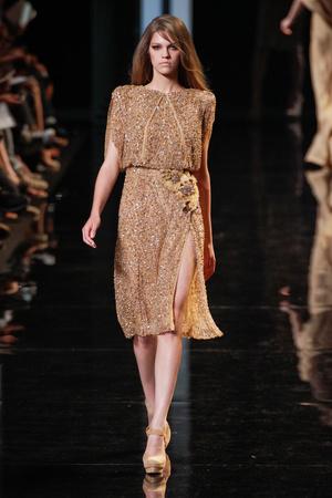 Показ Elie Saab коллекции сезона Осень-зима 2010-2011 года Haute couture - www.elle.ru - Подиум - фото 168163
