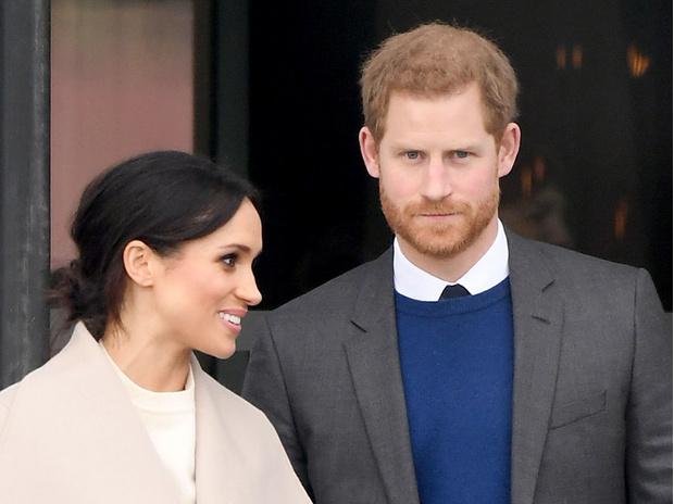 Фото №1 - Елизавета II хочет лишить Гарри и Меган королевских титулов из-за неподобающего отношения к принцу Чарльзу