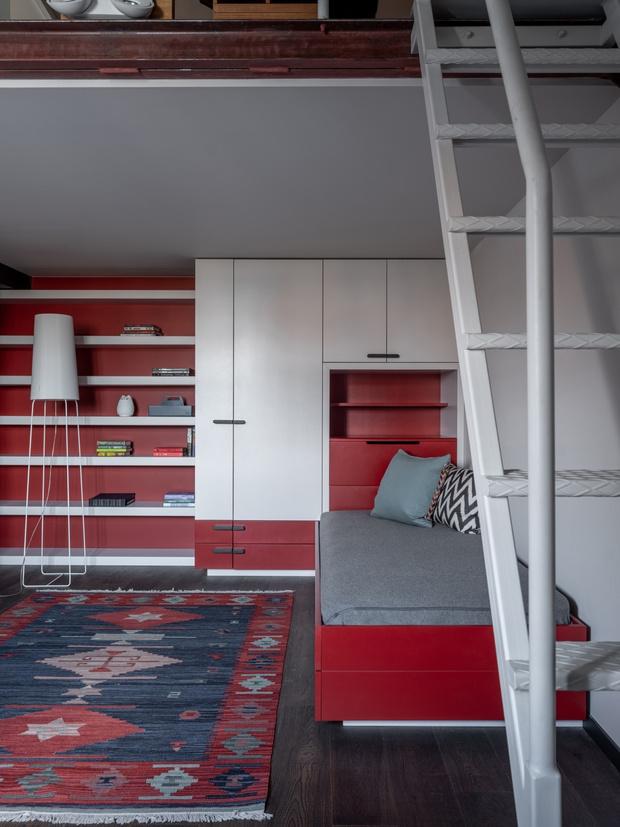 Тайна третьего этажа: квартира с мансардой в Москве (фото 16)