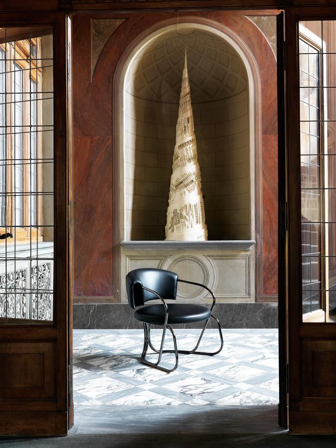 Кресло A-Round, дизайн Карло Коломбо для Trussardi Casa