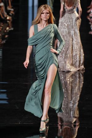 Показ Elie Saab коллекции сезона Осень-зима 2010-2011 года Haute couture - www.elle.ru - Подиум - фото 168162