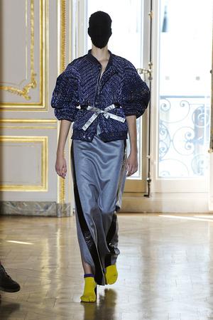 Показ Maison Martin Margiela коллекции сезона Осень-зима 2011-2012 года haute couture - www.elle.ru - Подиум - фото 277114
