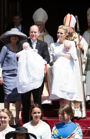 Фото дня: князь и княгиня Монако на крещении близнецов (фото 8)