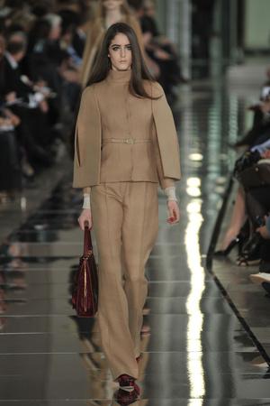 Показы мод Valentino Осень-зима 2009-2010 | Подиум на ELLE - Подиум - фото 3111