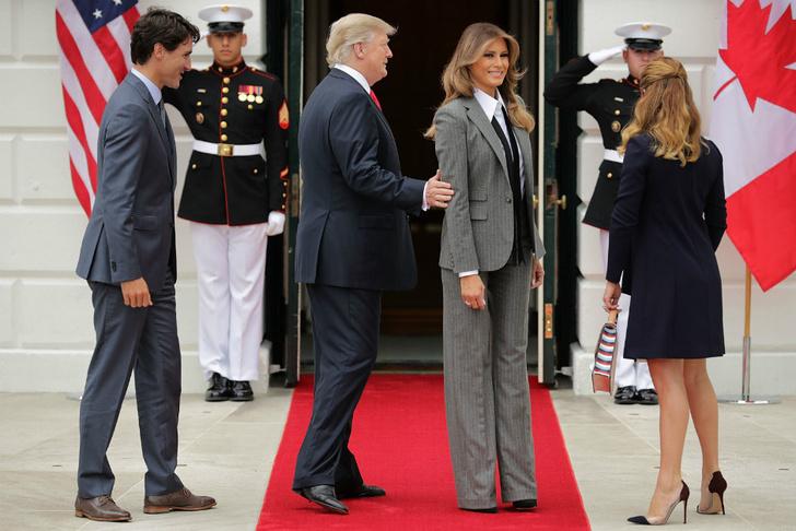 Образ дня: Мелания Трамп в Ralph Lauren фото [2]