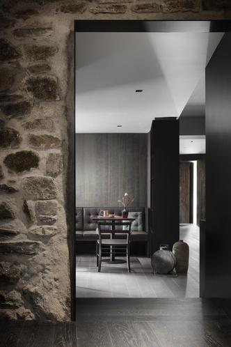 Винный бар-бистро 75 Café & Lounge — новый проект Пьеро Лиссони (фото 10.2)