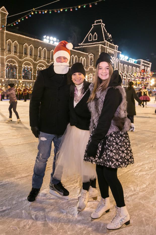 Екатерина Стриженова с семьей