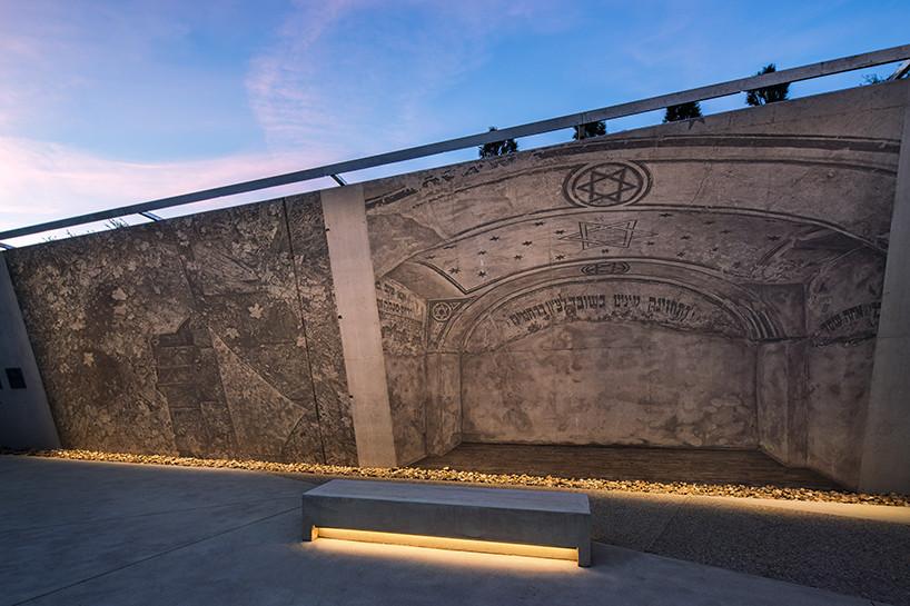 Монумент памяти холокоста по проекту Даниэля Либескинда | галерея [1] фото [2]