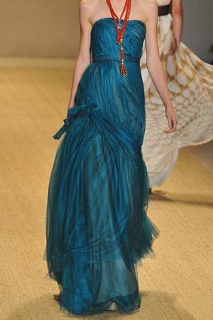 Показ Monique Lhuillier коллекции сезона Весна-лето 2009 года prêt-à-porter - www.elle.ru - Подиум - фото 75012