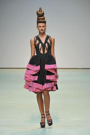 Показы мод Danielle Scutt Весна-лето 2010 | Подиум на ELLE - Подиум - фото 3037