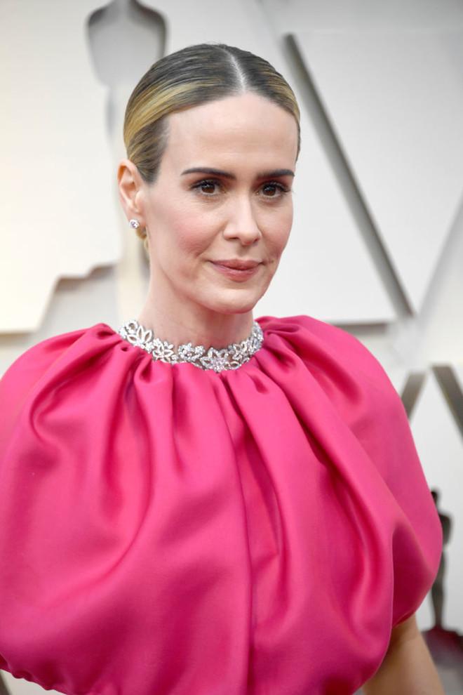 Макияж и укладки: 10 лучших бьюти-образов «Оскара-2019» (фото 11)