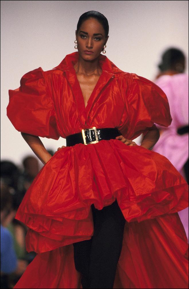 Потрясающая история одного показа: весна-лето 1990, Christian Dior (фото 7)