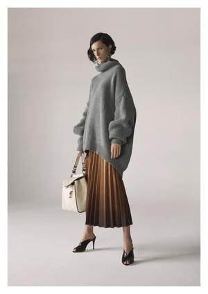 Совершенство линий: лукбук Givenchy Pre-Fall 2019 (фото 1.1)