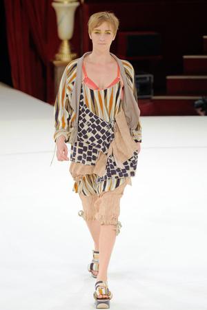 Показы мод Kenzo Весна-лето 2011 | Подиум на ELLE - Подиум - фото 2475
