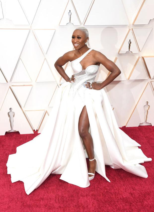 Светлая сторона: платья в нюдовых оттенках на церемонии «Оскар-2020» (фото 5)