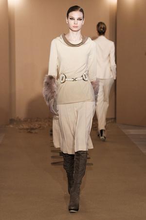 Показ Paola Frani коллекции сезона Осень-зима 2011-2012 года Prêt-à-porter - www.elle.ru - Подиум - фото 242693