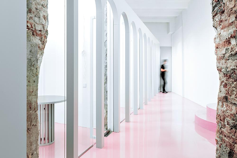 Жизнерадостный интерьер офиса: проект в деталях | галерея [1] фото [2]