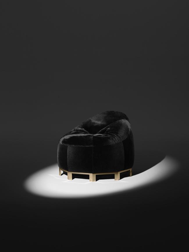 Александр Вэнг создал капсульную коллекцию мебели для Poltrona Frau | галерея [1] фото [2]