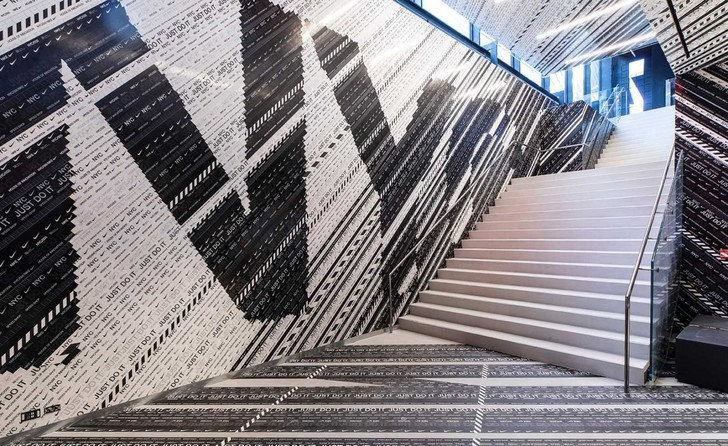 Флагманский бутик Nike в Нью-Йорке (фото 2)