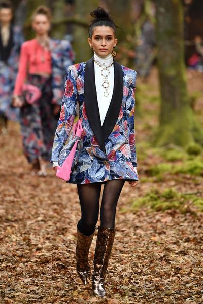 Осенний марафон: показ Chanel в Париже (галерея 3, фото 0)