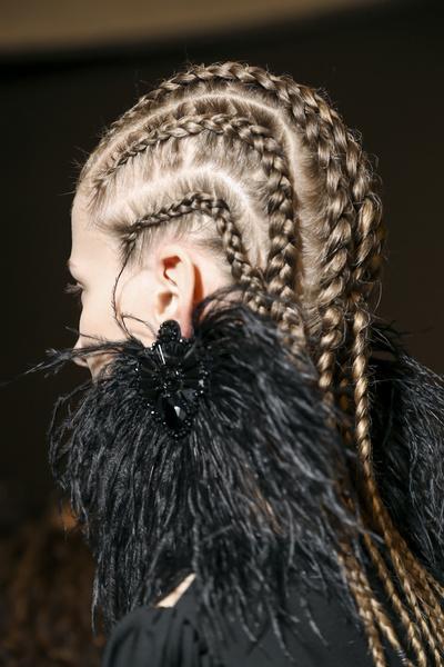 Бьюти-тренды осень-зима 2017/18: волосы | галерея [3] фото [3]
