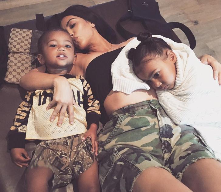 Ким Кардашьян с детьми
