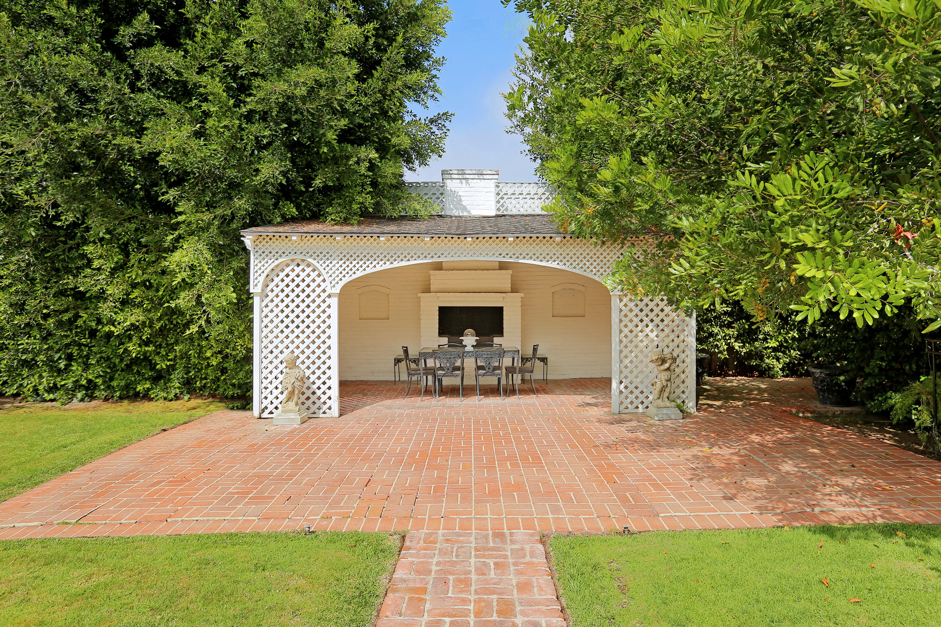 В Калифорнии продан бывший дом Рональда Рейгана (галерея 5, фото 4)