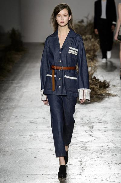 7 модных способов носить деним в этом сезоне (галерея 12, фото 1)