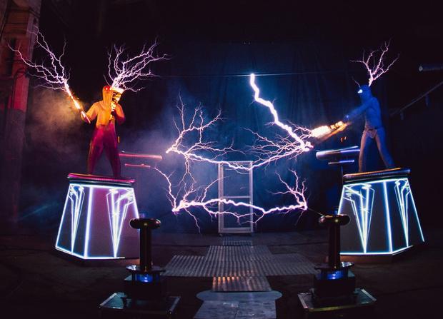 3. «Электрическая Тесла-Елка. В поисках украденного электричества»